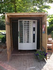 Ein Erdbeer-Automat, gesehen auf einem Hof in Holland