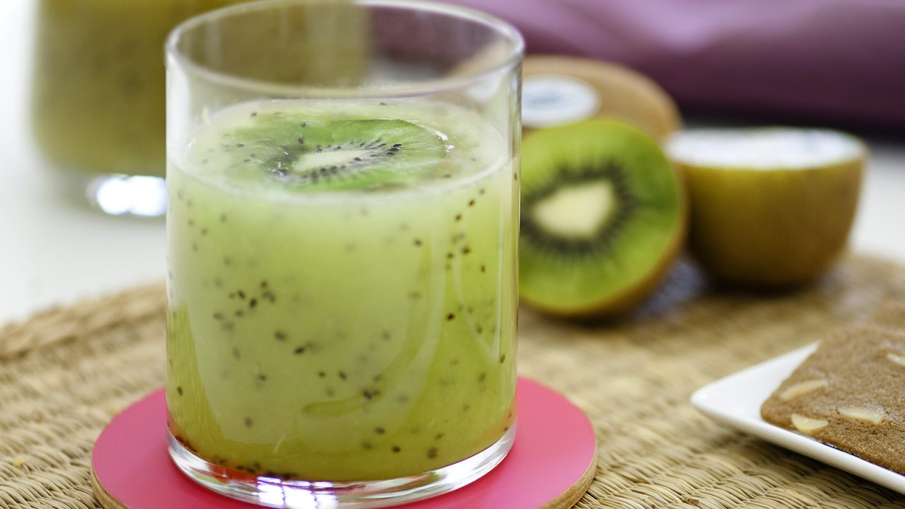 Summer in a glass: Kiwi smoothie
