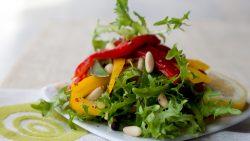 Paprika-Eichblattsalat