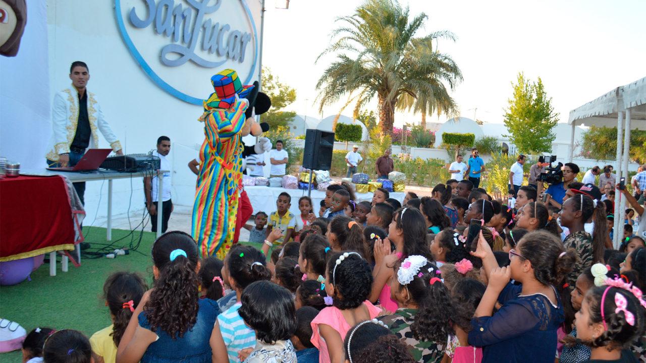 SanLucar dona material escolar y académico a niños tunecinos