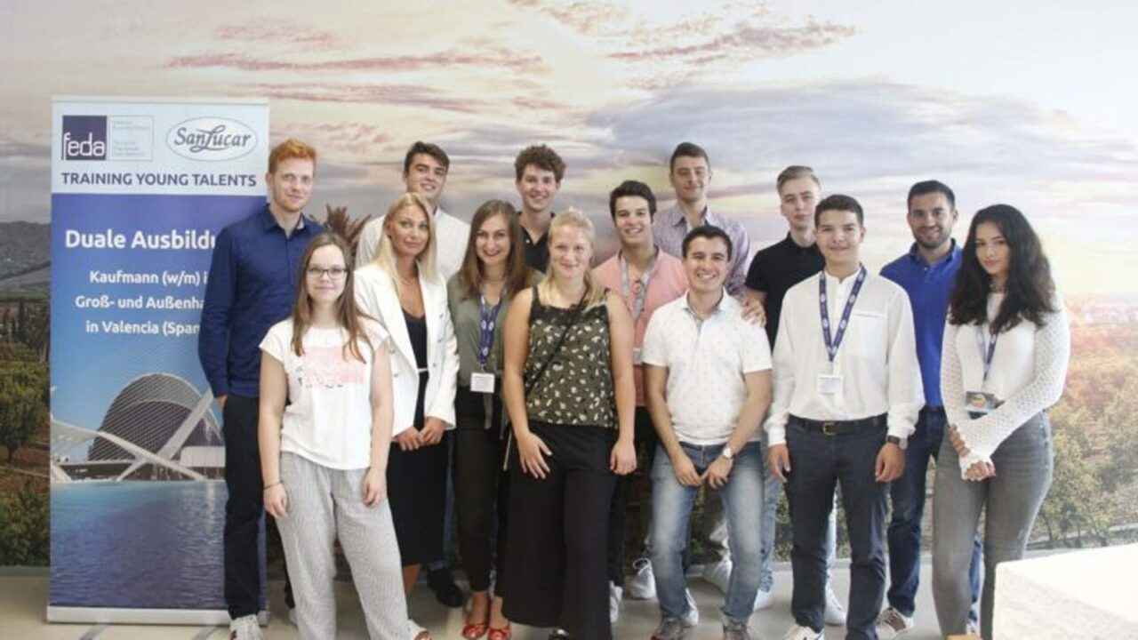 1st dual training in wholesale & foreign trade in Spain