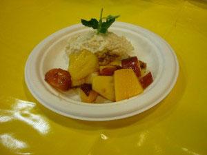 Apfel-Amaranth-Nocken mit SanLucar Obstsalat
