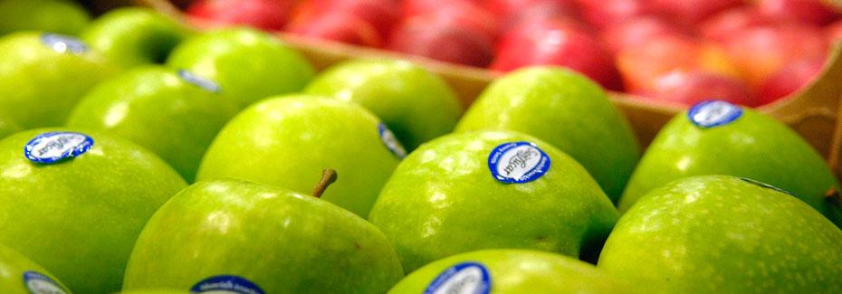 manzanas verde en el mercado